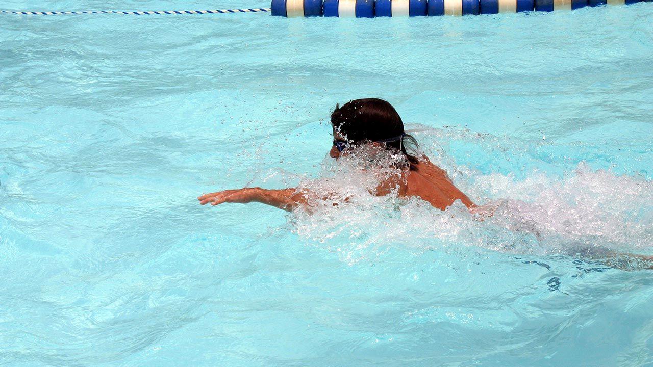 ejercicios de flotación en natación